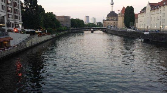 The Ritz-Carlton, Berlin: vista do canal