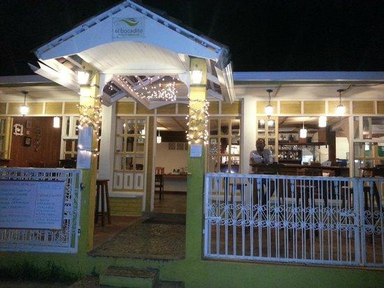 El Bocadito, tapas - restaurante - bar: El Bocadito por fuera