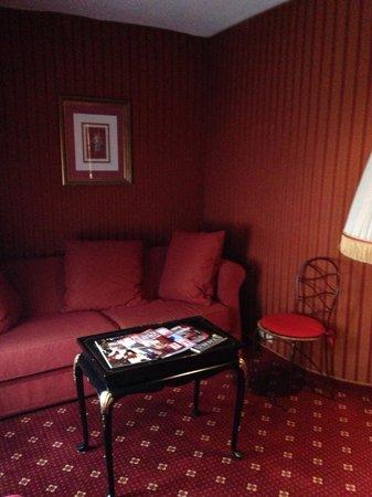 Villa Opera Drouot: Salita planta baja habitación 604