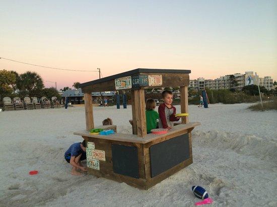 Postcard Inn on the Beach: A Beach set up for the kiddos
