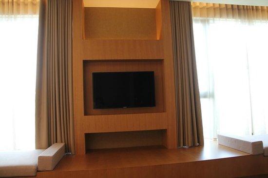 Millennium Hotel Taichung: 市政套房電視