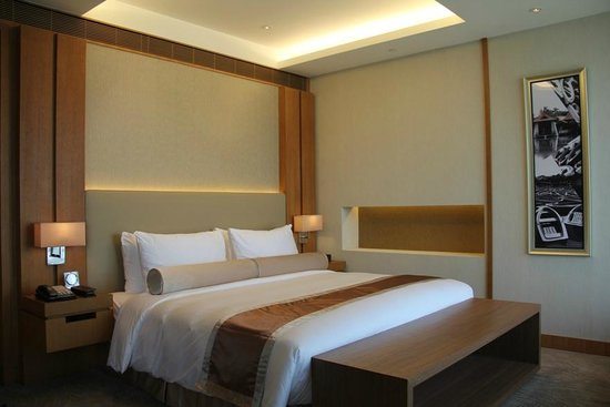 Millennium Hotel Taichung: 市政套房床