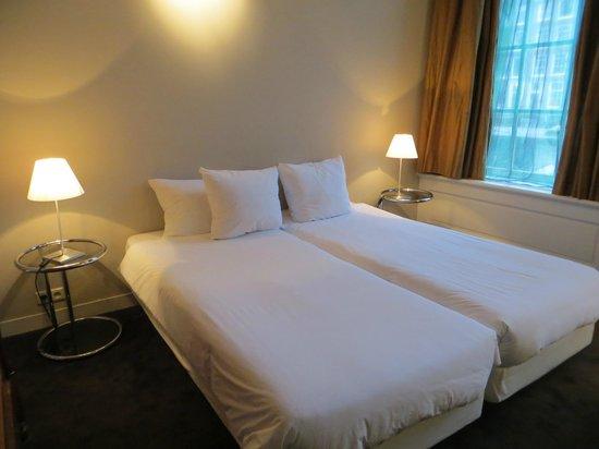 Hotel Orlando: Comfortable bed - Room 115