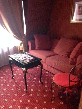 Villa Opera Drouot: Salita planta baja habitación 604 (II)