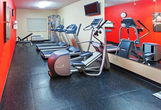 Country Inn & Suites By Carlson, Wichita Northeast: On-Site Fitness Room
