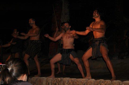 Mitai Maori Village: Cultural Performace