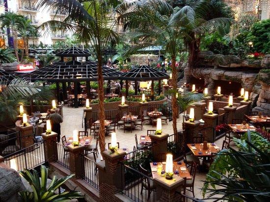 Gaylord Opryland Resort & Convention Center: Cascades Restaurant