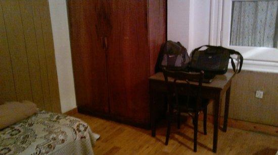 Pension Roma: Closet