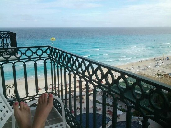Sandos Cancun Lifestyle Resort: Great balcony view