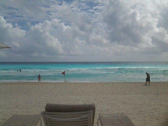 Sandos Cancun Lifetyle Resort: Gorgeous beach