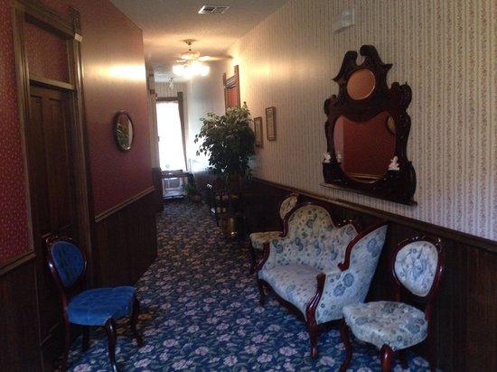 Grand Central Hotel & Spa: Hallway