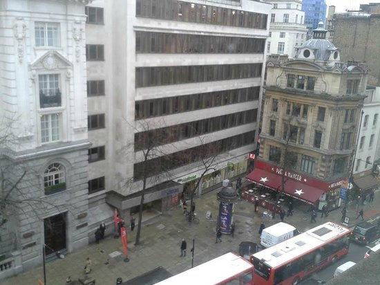 Citadines Holborn-Covent Garden London: VIEW FROM ROOM