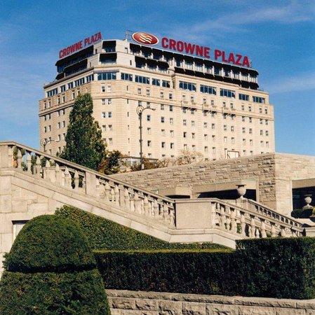 Crowne Plaza Niagara Falls - Fallsview: Crowne Plaza Fallsview