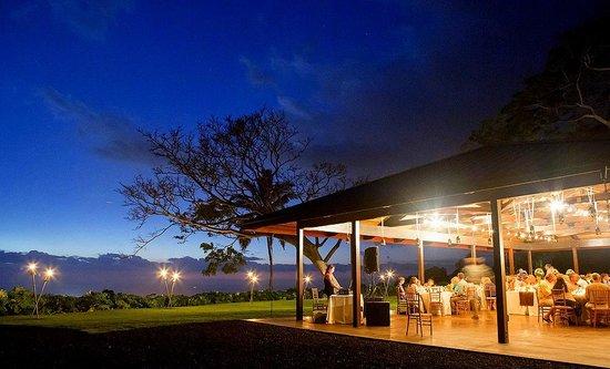 Holualoa Inn: DJ and Dancing at Malulani