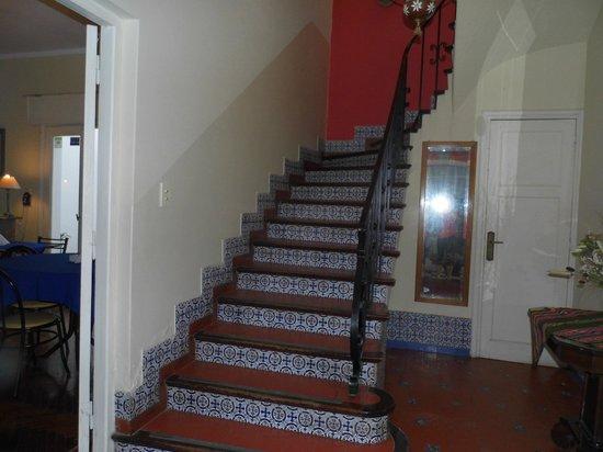 Hostal Pueblo Andino: Escada para os quartos
