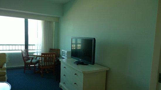 Hilton Daytona Beach / Ocean Walk Village: TV