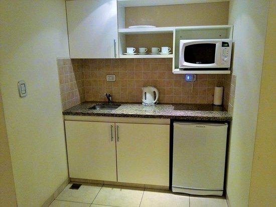 Astro Apart Hotel: Cocina