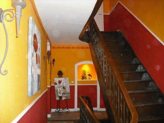 Chateau Du Vergnet : Hall