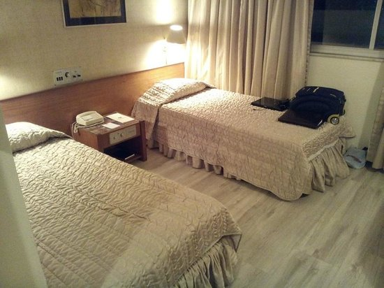Carlton Hotel Brasilia: Quarto 1004