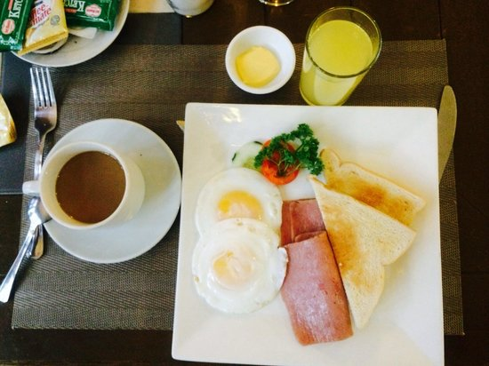 Rothman Hotel: My partner breakfast  sooo good