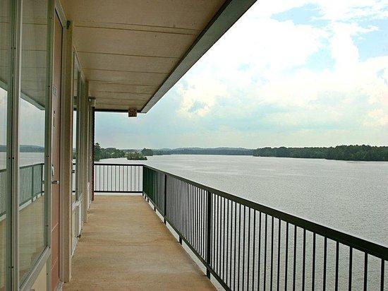 Riverside, AL: River View