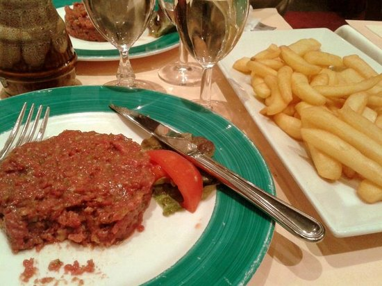 L'Atlas: Scrumptuous steak tartare