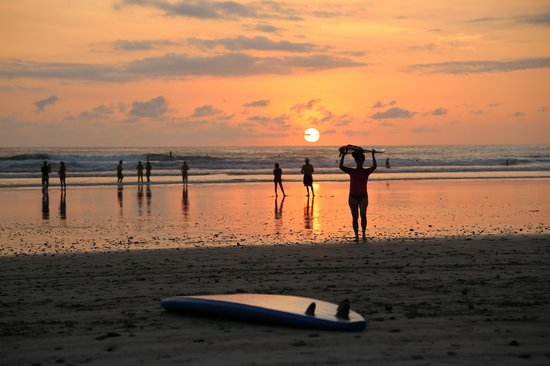 Peaks 'n Swells Surf Camp: New Year's Eve sunset at Playa Hermosa