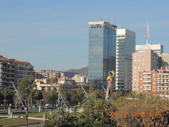Onix Fira Hotel : vista da janela do apartamento