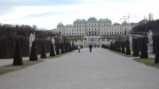 Belvedere Palace Museum : Vista a partir da parte de trás do Palácio.