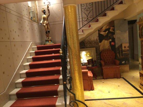 Palazzetto Madonna: Reception area