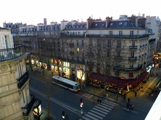 Hotel Royal Saint Michel: Blvd. St. Michel from the room