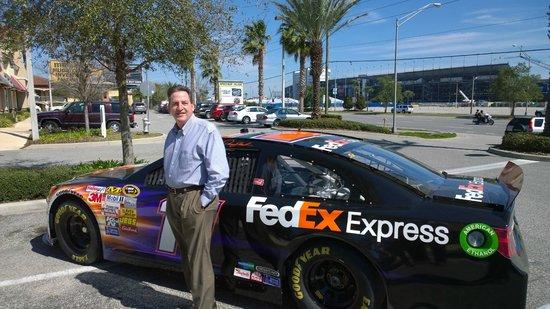Tijuana Flats: Fedex Car