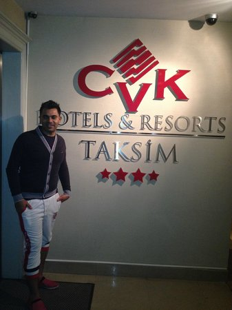 CVK Hotels Taksim : CVK Entrance