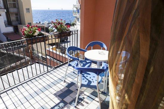 acitrezza b b province of catania sicilia b b opiniones tripadvisor. Black Bedroom Furniture Sets. Home Design Ideas