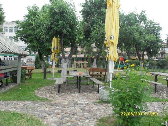 Veronika : Beer Garden