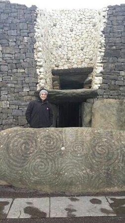 Bru na Boinne: entrance of the tomb