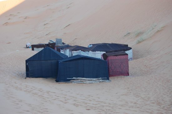 Hotel Kasbah Mohayut : camp site into the desrt