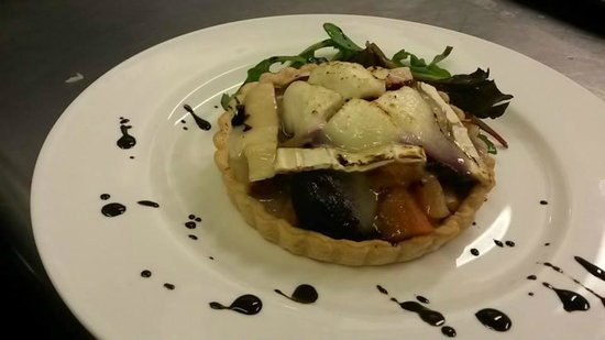 The Swan on the River: Goats cheese tartlet