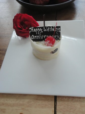 The Samaya Bali Seminyak : One of our 3 anniversary cakes