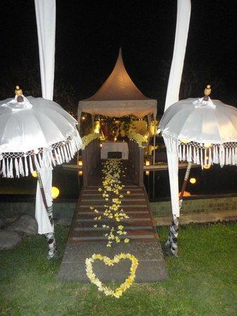 The Samaya Bali Seminyak: Anniversary dinner
