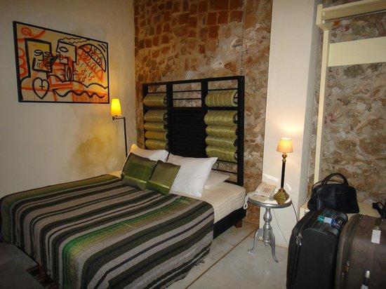 Hotel Casa Lola: quarto terreo com vista para o patio interno