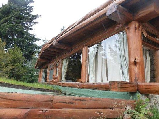 Cabanas La Deseada: ventana del comedor y de la habitacion