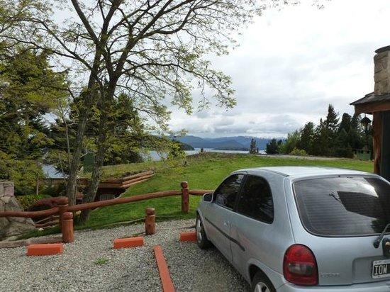 Cabanas La Deseada: estacionamiento