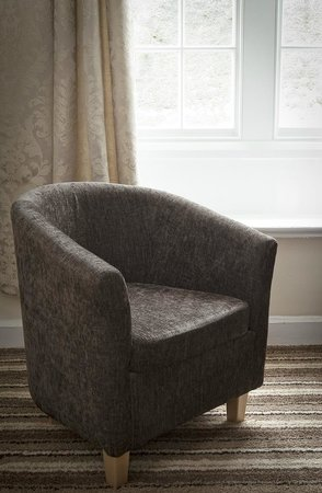 The Eagles Hotel: COMFORTABLE TUB CHAIRS