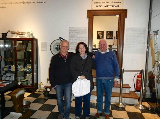 Weegschaal Museum: I had to get a picture with my wonderful guides!