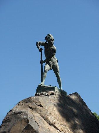 Cerro Santa Lucía: Escultura de Aborigen