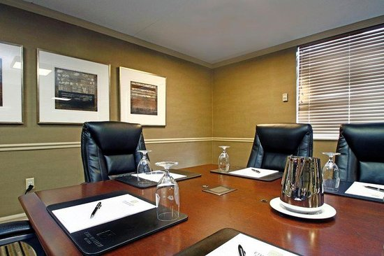 Ethan Allen Hotel: Executive Boardroom