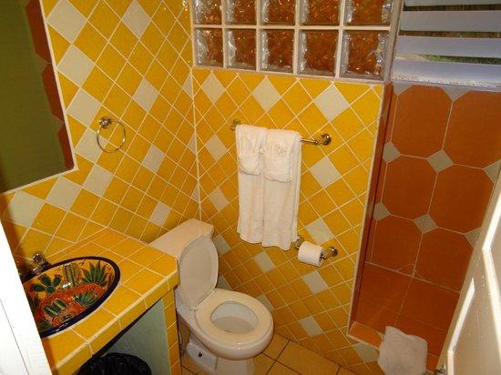 Cahal Pech Village Resort: Bad