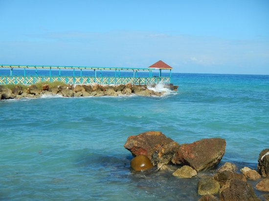 Franklyn D Resort & Spa : pier at adults only restaurant