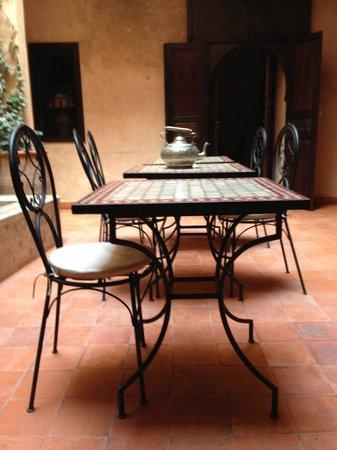 Riad Marrakiss : The interior courtyard